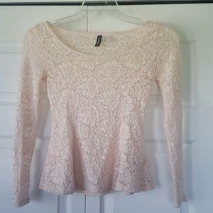 H & M Peach colored lace top